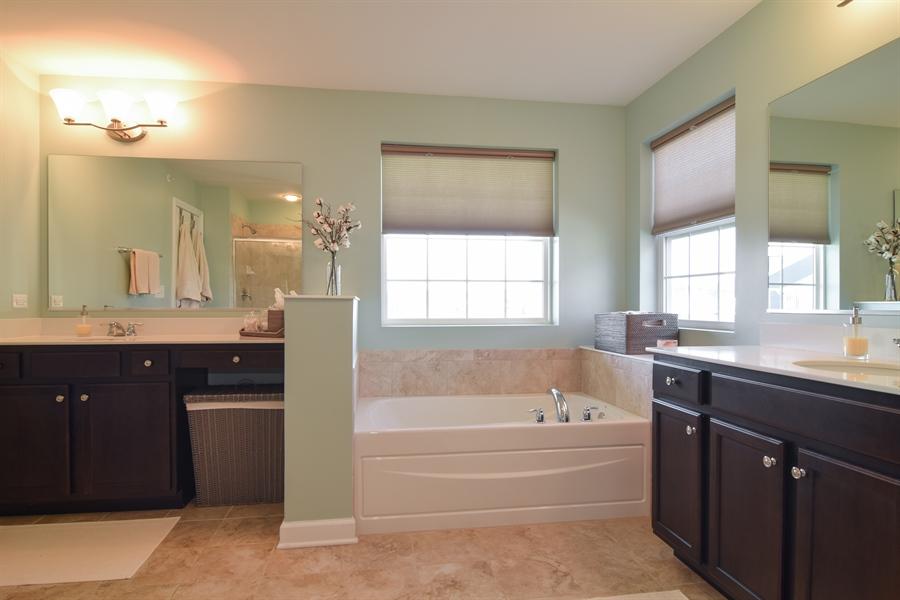 Real Estate Photography - 3597 Harold Circle, Hoffman Estates, IL, 60192 - Master Bathroom