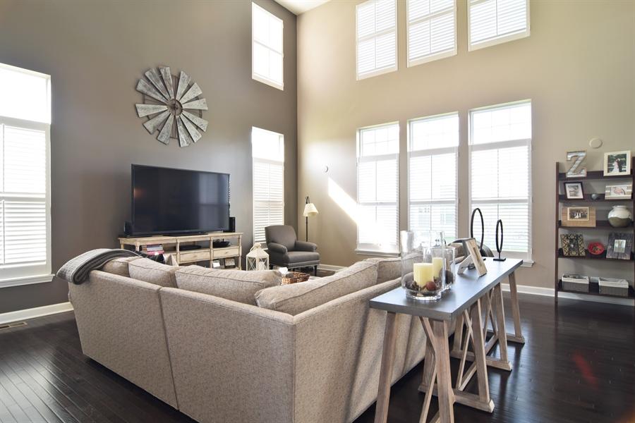 Real Estate Photography - 3597 Harold Circle, Hoffman Estates, IL, 60192 - Family Room