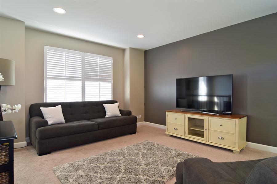 Real Estate Photography - 3597 Harold Circle, Hoffman Estates, IL, 60192 - Loft