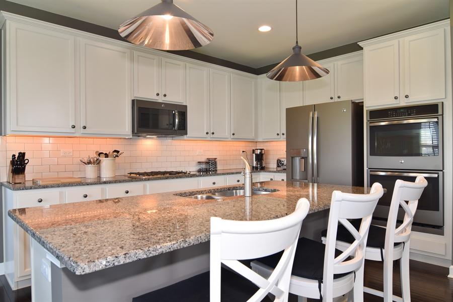 Real Estate Photography - 3597 Harold Circle, Hoffman Estates, IL, 60192 - Kitchen