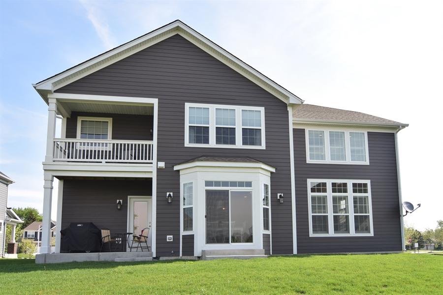 Real Estate Photography - 3597 Harold Circle, Hoffman Estates, IL, 60192 - Rear View
