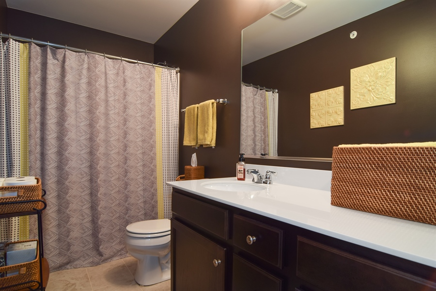 Real Estate Photography - 3597 Harold Circle, Hoffman Estates, IL, 60192 - Bathroom