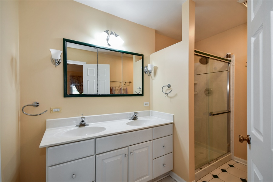 Real Estate Photography - 1920 WITT Court, Lombard, IL, 60148 - Master Bathroom
