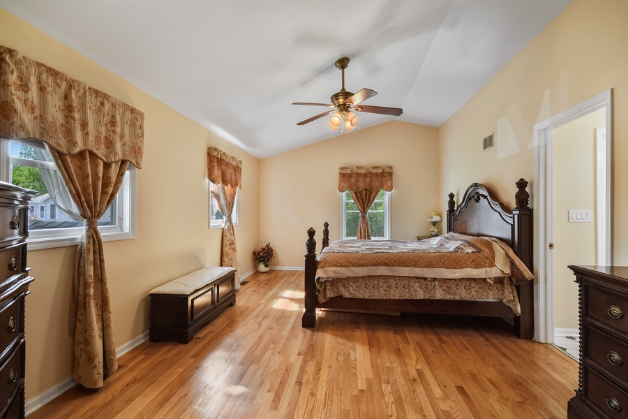 Real Estate Photography - 1920 WITT Court, Lombard, IL, 60148 - Master Bedroom