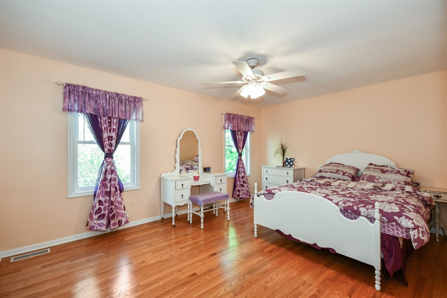 Real Estate Photography - 1920 WITT Court, Lombard, IL, 60148 - 3rd Bedroom