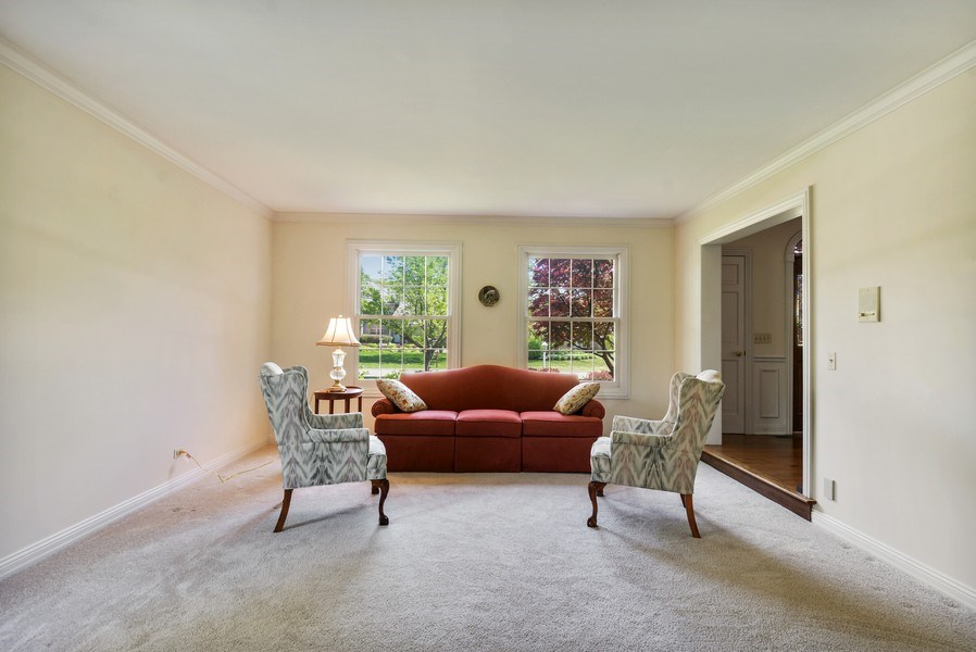 Real Estate Photography - 1303 Brandywine Road, Libertyville, IL, 60048 - Living Room