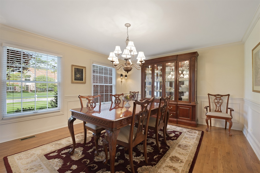 Real Estate Photography - 1303 Brandywine Road, Libertyville, IL, 60048 - Dining Room