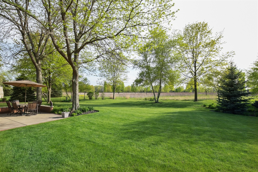 Real Estate Photography - 1303 Brandywine Road, Libertyville, IL, 60048 - Back Yard
