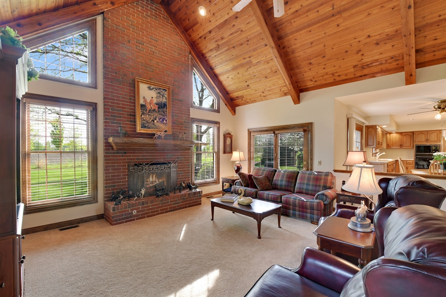 Real Estate Photography - 1303 Brandywine Road, Libertyville, IL, 60048 - Family Room