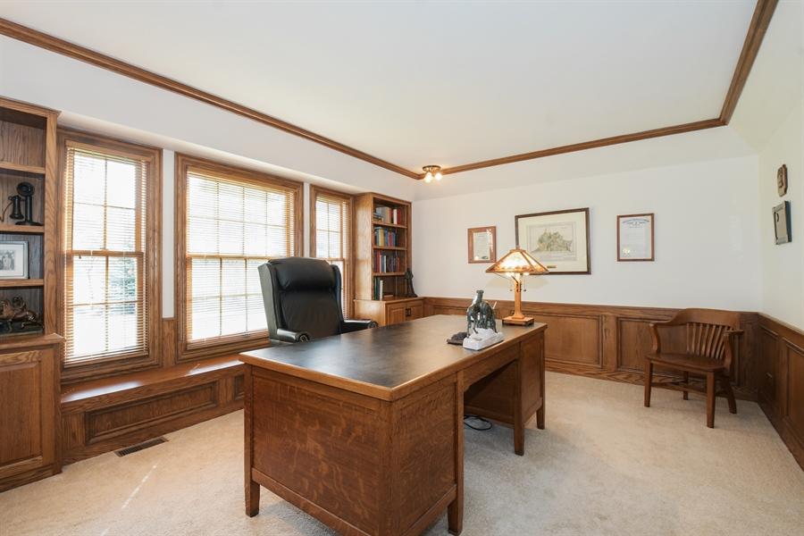 Real Estate Photography - 1303 Brandywine Road, Libertyville, IL, 60048 - Office