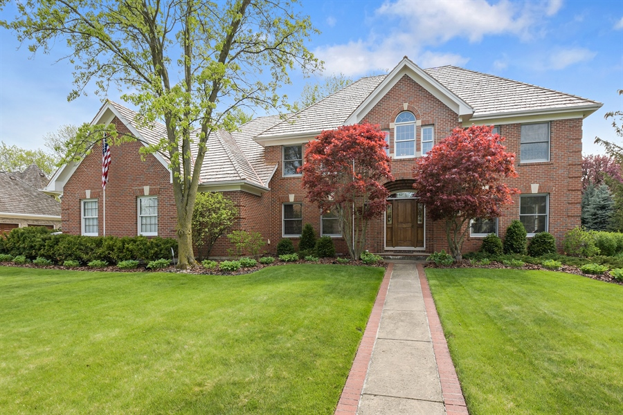 Real Estate Photography - 1303 Brandywine Road, Libertyville, IL, 60048 - Front View