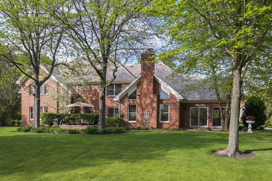 Real Estate Photography - 1303 Brandywine Road, Libertyville, IL, 60048 - Rear View