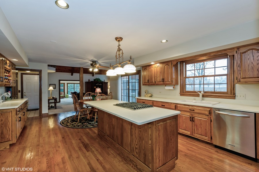 Real Estate Photography - 1303 Brandywine Road, Libertyville, IL, 60048 -