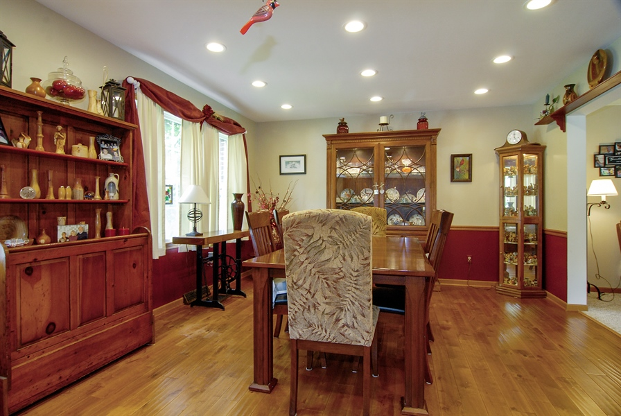 Real Estate Photography - 0S129 Surrey Drive, Elburn, IL, 60119 - Dining Room