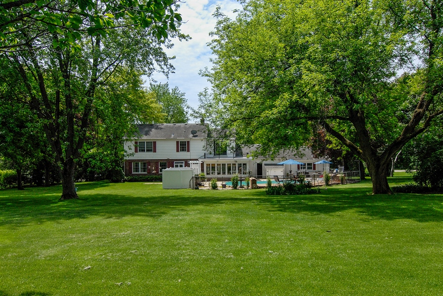 Real Estate Photography - 0S129 Surrey Drive, Elburn, IL, 60119 - Rear View