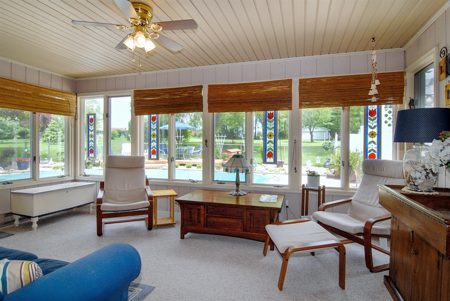 Real Estate Photography - 0S129 Surrey Drive, Elburn, IL, 60119 - Sun Room