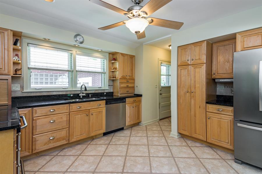 Real Estate Photography - 210 Cambridge Road, Des Plaines, IL, 60016 - Kitchen