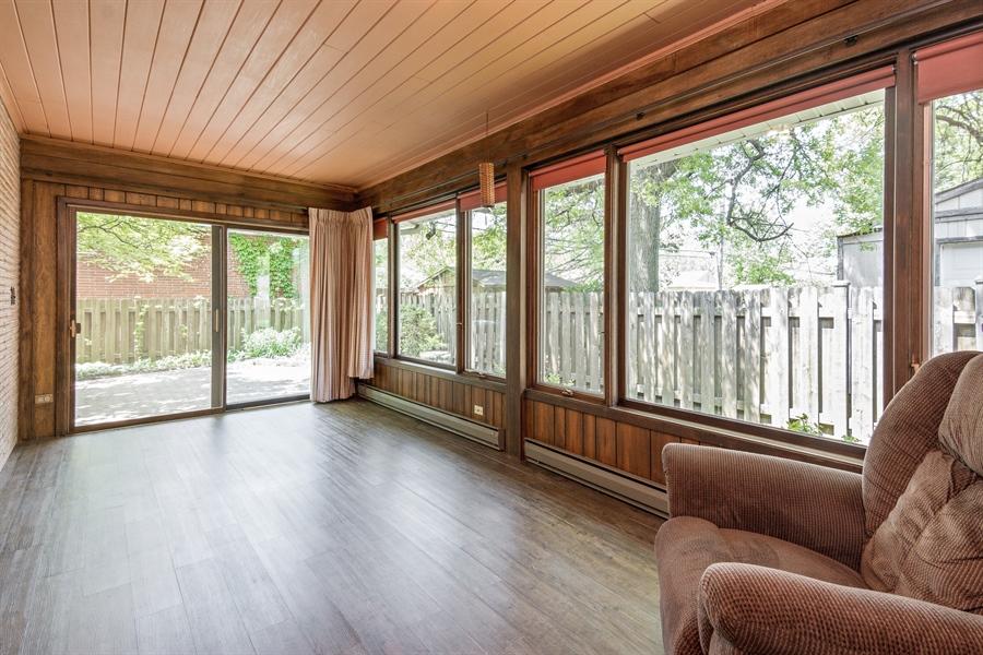 Real Estate Photography - 210 Cambridge Road, Des Plaines, IL, 60016 - Sun Room