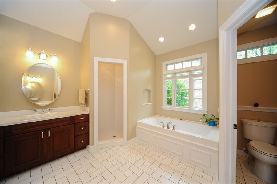 Real Estate Photography - 1420 N. Chicago Avenue, Arlington Heights, IL, 60004 - Master Bathroom