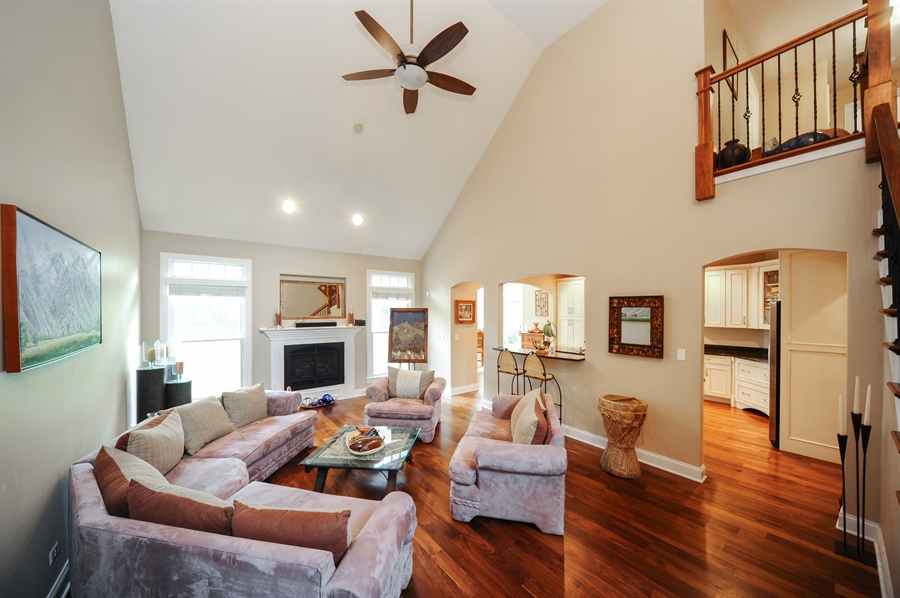 Real Estate Photography - 1420 N. Chicago Avenue, Arlington Heights, IL, 60004 - Living Room