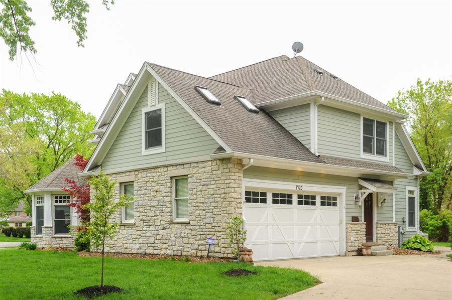 Real Estate Photography - 1420 N. Chicago Avenue, Arlington Heights, IL, 60004 - Side View