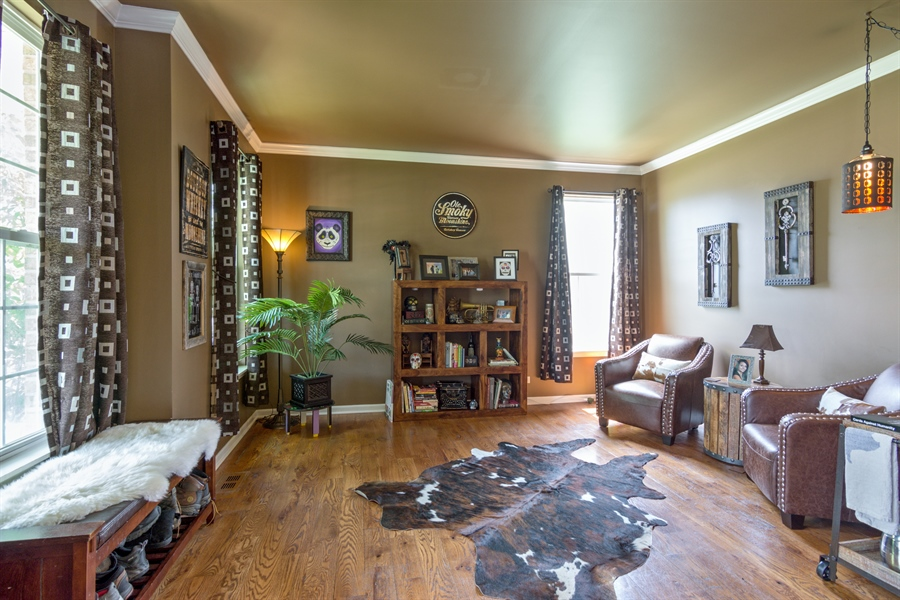 Real Estate Photography - 1885 Northwood Drive, Wauconda, IL, 60084 - Living Room