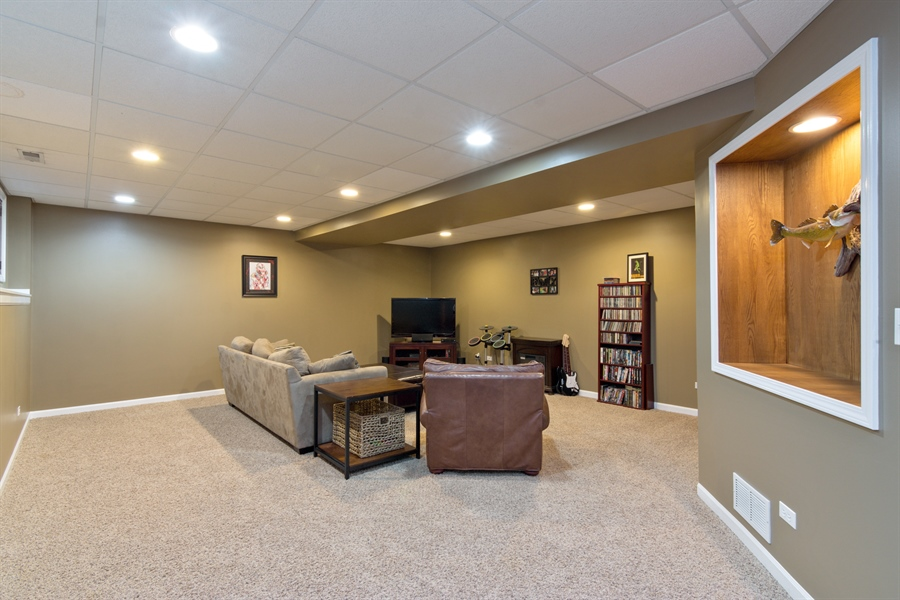 Real Estate Photography - 1885 Northwood Drive, Wauconda, IL, 60084 - Recreational Room