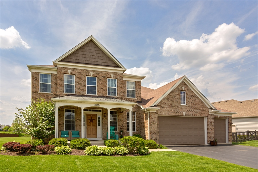 Real Estate Photography - 1885 Northwood Drive, Wauconda, IL, 60084 - Front View