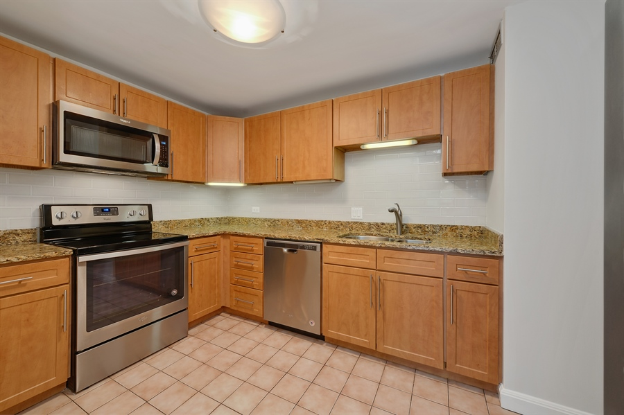 Real Estate Photography - 1415 N. Dearborn Street, Unit 4D, Chicago, IL, 60610 - Kitchen