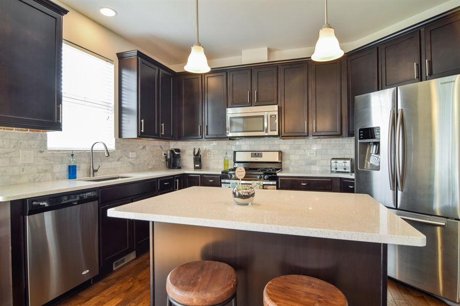 Real Estate Photography - 6544 Lilac Boulevard, Hanover Park, IL, 60133 - Kitchen