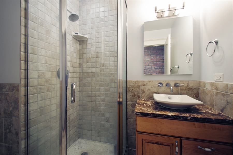 Real Estate Photography - 1410 W Argyle, 2, Chicago, IL, 60640 - 2nd Bathroom