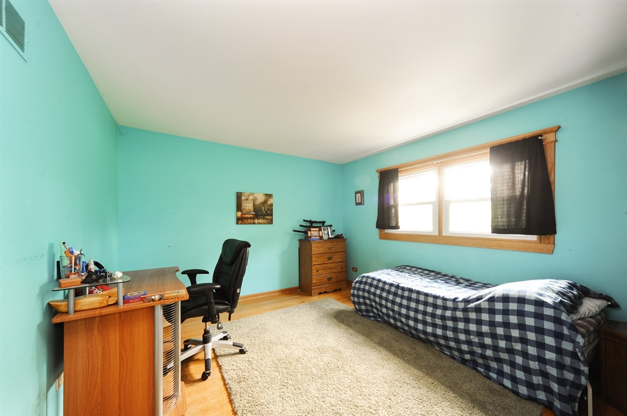 Real Estate Photography - 218 N. KASPAR Avenue, Arlington Heights, IL, 60005 - Second Bedroom