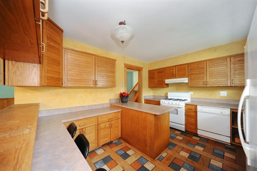 Real Estate Photography - 218 N. KASPAR Avenue, Arlington Heights, IL, 60005 - Kitchen