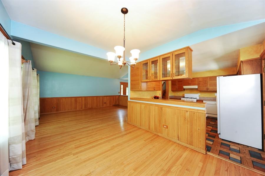Real Estate Photography - 218 N. KASPAR Avenue, Arlington Heights, IL, 60005 - Kitchen / Dining Room