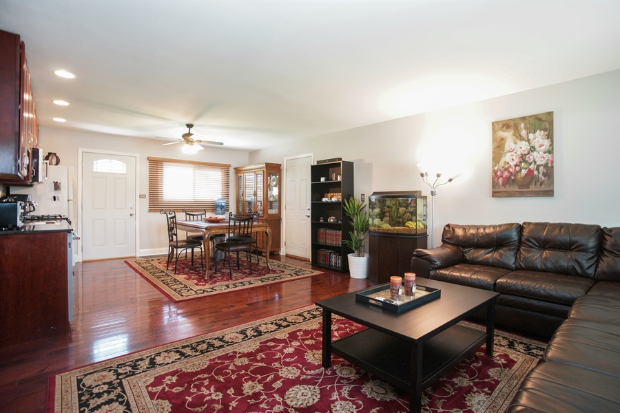 Real Estate Photography - 1061 Leahy Circle, Des Plaines, IL, 60016 - Living Room