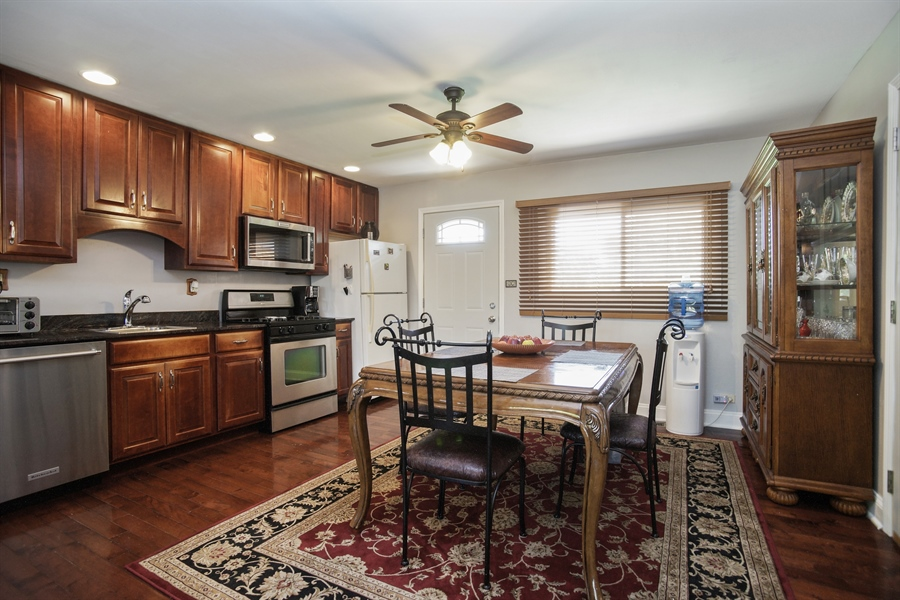 Real Estate Photography - 1061 Leahy Circle, Des Plaines, IL, 60016 - Kitchen