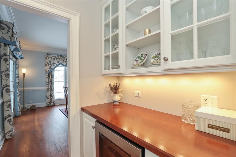 Real Estate Photography - 1224 Ashbury Lane, Libertyville, IL, 60048 - Butler's pantry