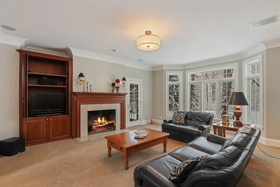 Real Estate Photography - 1224 Ashbury Lane, Libertyville, IL, 60048 - Family Room