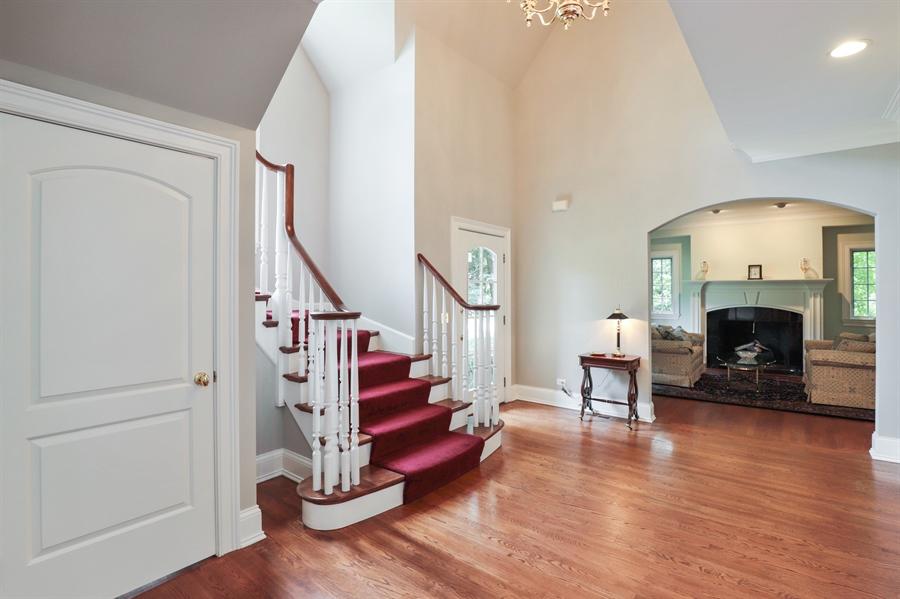 Real Estate Photography - 1224 Ashbury Lane, Libertyville, IL, 60048 - Foyer