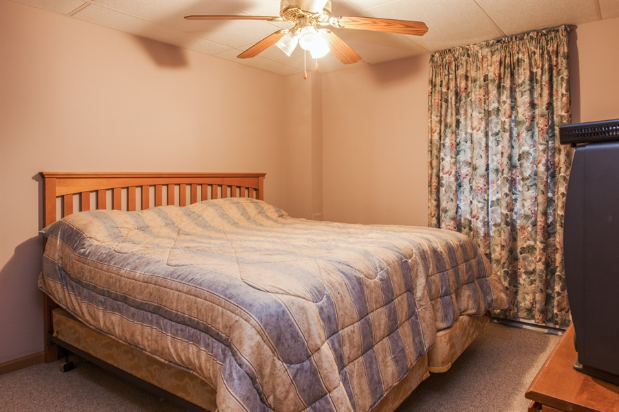 Real Estate Photography - 1402 Stanford Circle, Carpentersville, IL, 60110 - 5th Bedroom