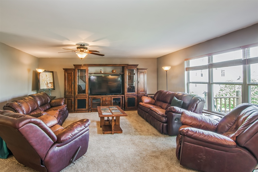 Real Estate Photography - 1402 Stanford Circle, Carpentersville, IL, 60110 - Family Room