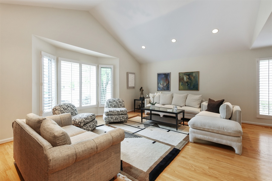 Real Estate Photography - 955 Villas Court, Highland Park, IL, 60035 - Living Room