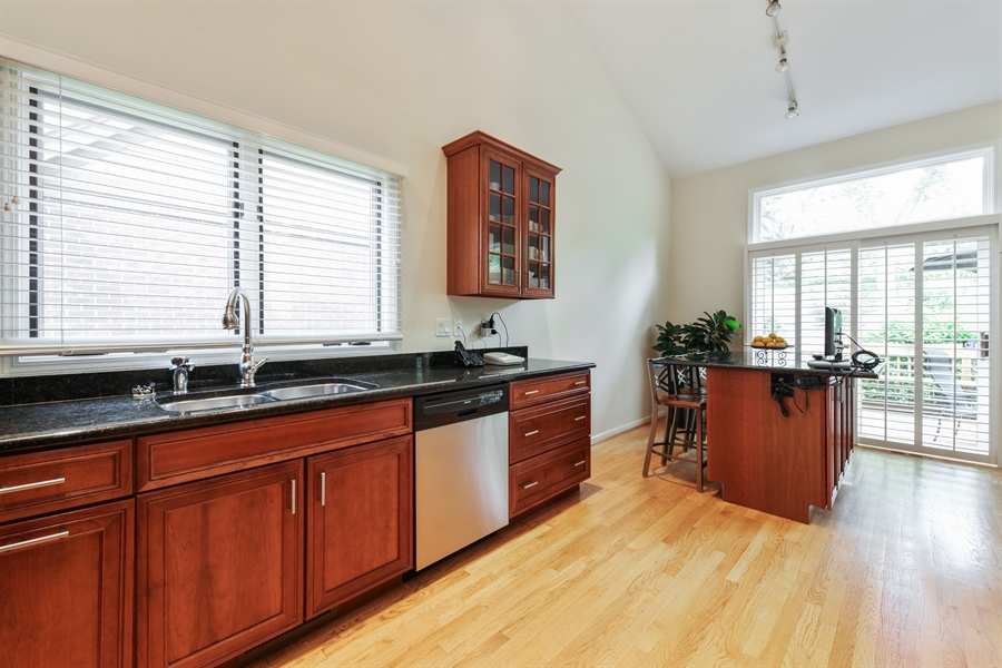 Real Estate Photography - 955 Villas Court, Highland Park, IL, 60035 - Kitchen