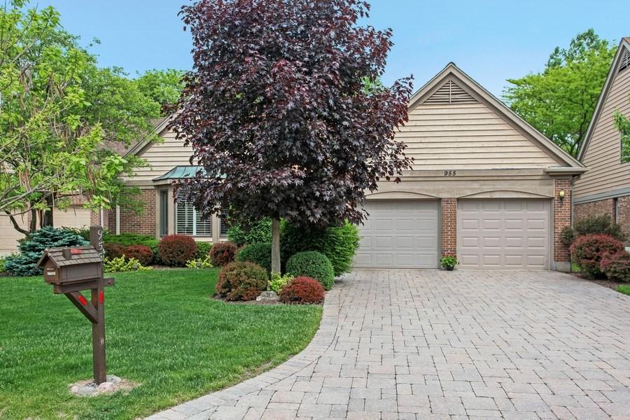 Real Estate Photography - 955 Villas Court, Highland Park, IL, 60035 - Front View
