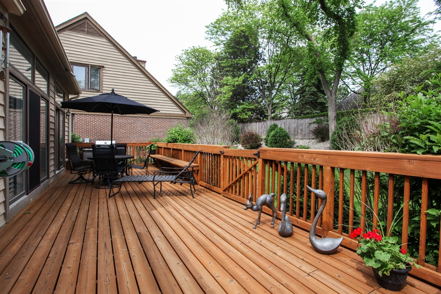 Real Estate Photography - 955 Villas Court, Highland Park, IL, 60035 - Deck