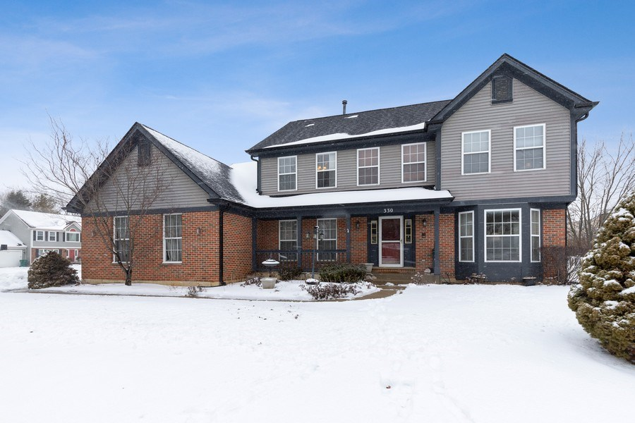 Real Estate Photography - 330 Kildere Court, Grayslake, IL, 60030 - Front View