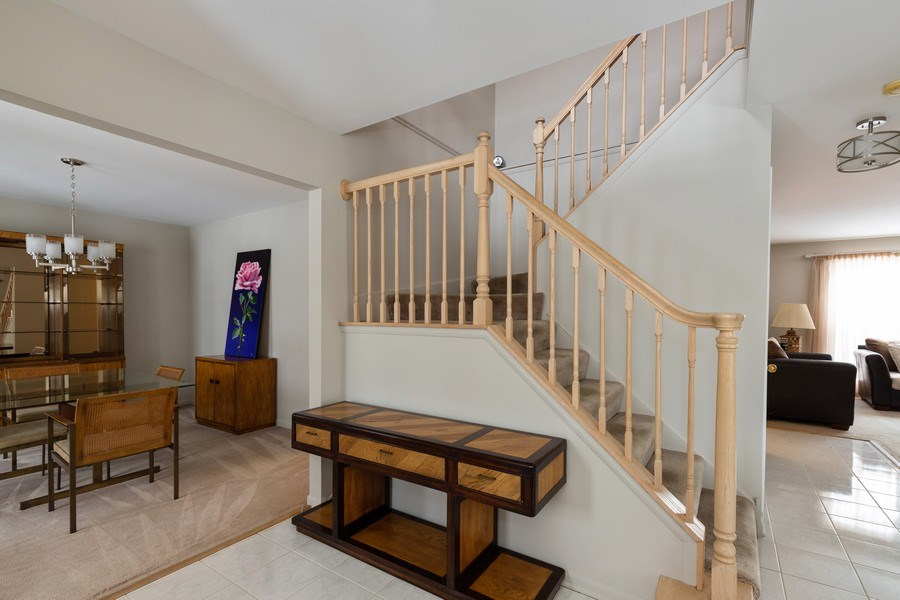 Real Estate Photography - 330 Kildere Court, Grayslake, IL, 60030 - Foyer