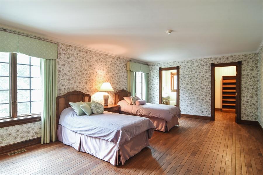 Real Estate Photography - 585 Windsor Road, Inverness, IL, 60067 - 4th Bedroom En-Suite