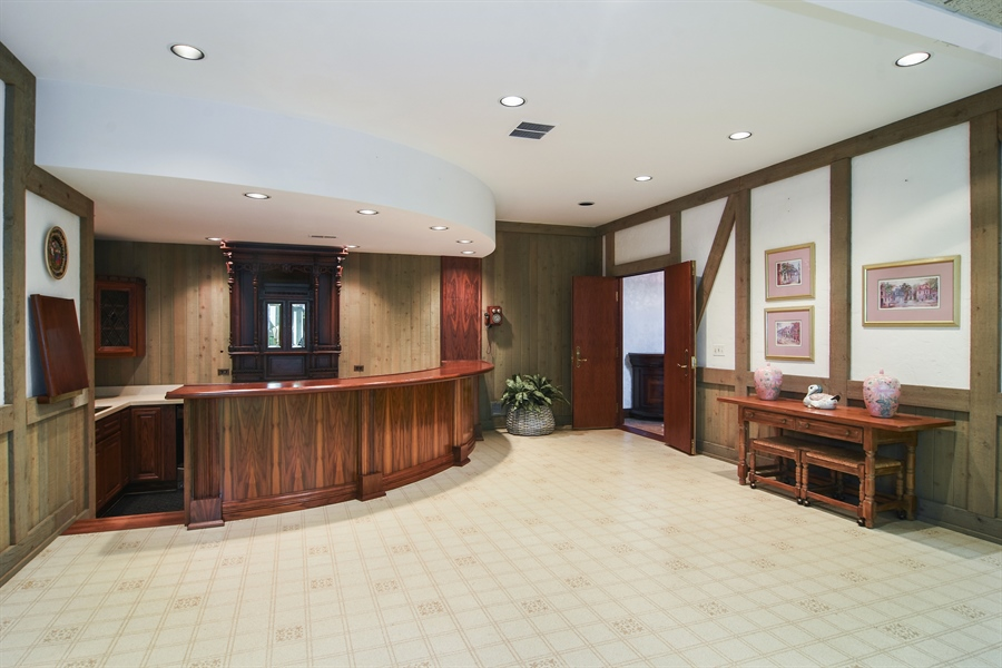 Real Estate Photography - 585 Windsor Road, Inverness, IL, 60067 - Bar Area