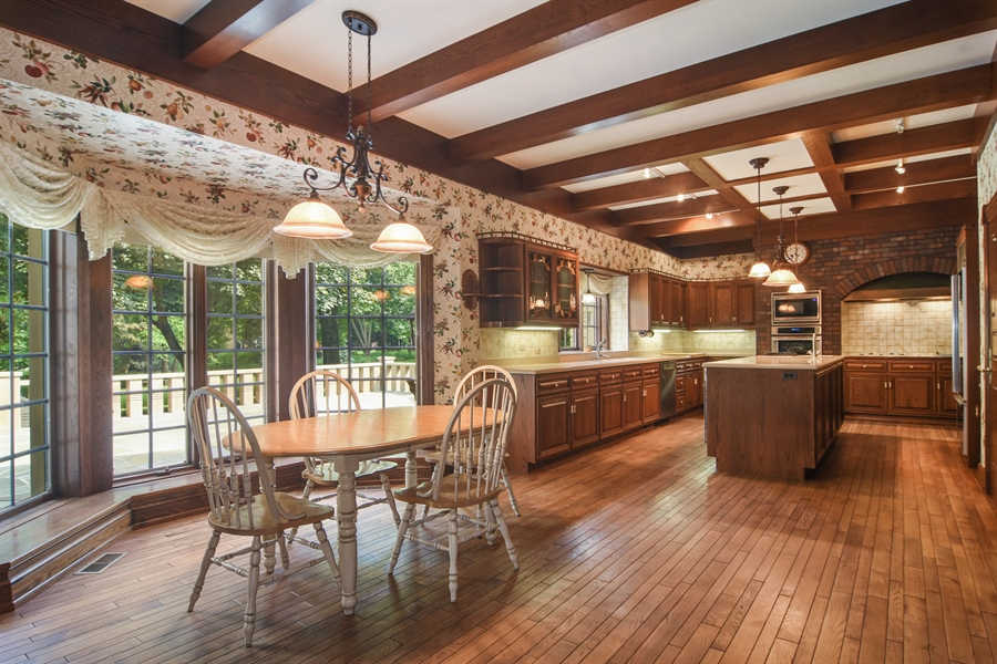 Real Estate Photography - 585 Windsor Road, Inverness, IL, 60067 - Kitchen / Breakfast Room